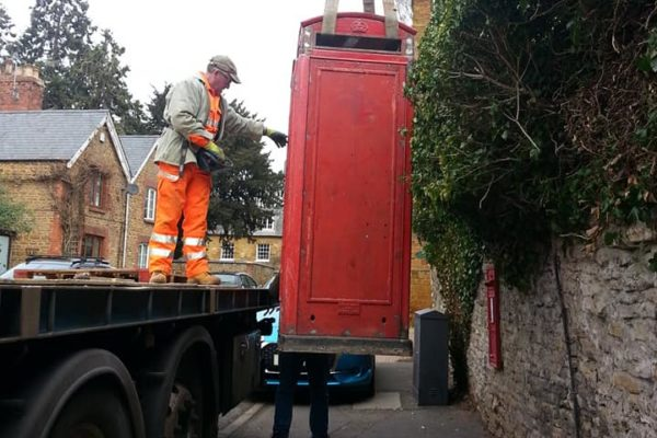 phone being offloaded lorry